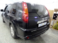 Установка штатной магнитолы NaviPilot, парковочной камеры, шумо- и виброизоляции передних дверей на автомобиль Nissan X-Trail