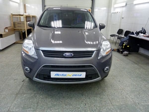 Установка 4-хдатчикового парктроника на автомобиль Ford Kuga
