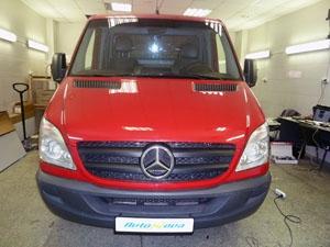 Установка охранного комплекса, механического замка капота и секретки на автомобиль Mercedes Sprinter